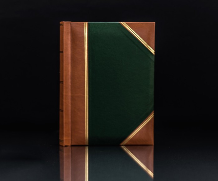 "Heritage Green Handy Slip-In 6""x4"" Photo Album for 300 Photos"