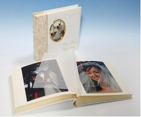 "Harmony Classic Studio 80 - Cameo Wedding Photo Album - Page Size 9"" x 8 3/4"""