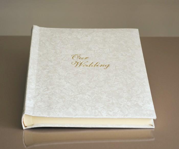 "Romantica Classic One - Wedding Album - Page Size 8 1/2"" x 11 3/4"""